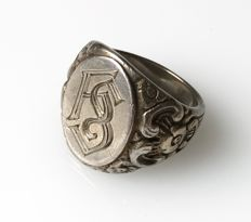 Solid silver signet ring