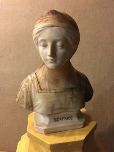 'Beatrice' - Art Nouveau sculpture - Marble and alabaster