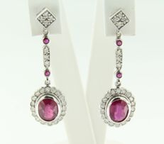 14 kt white gold dangle earrings set with ruby 2.60 carat and 50 brilliant cut diamonds, 0.55 carat, height 3.6 cm