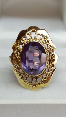 14 kt yellow gold handmade women's ring set with an amethyst