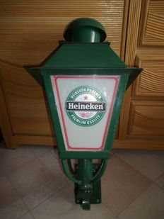 Heineken outdoor light - height 65 cm - weight 4.3 kg - very good condition.