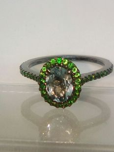 Gold ring (18 kt) with aquamarine and tsavorite – size 18