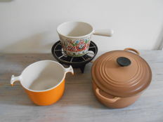 Le Creuset Fondue set with beautiful flower print -cooking jar by Enzo Mari - cooking pot with lid.