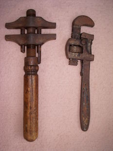 2 Antique wrenches - forerunners of the Bahco