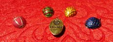 Imperial Fabergé - Pendants in enamel with a gold plated finish 24 k - signed