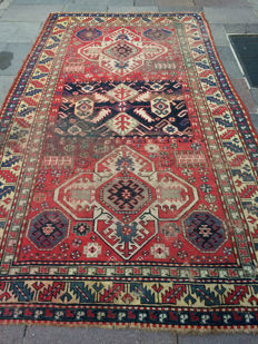 Antique hand-knotting Caucasian carpet, 278 × 152 cm