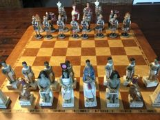 Chess set - theme Egyptians/Romans - without chessboard
