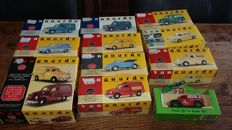 Vanguards - Scale 1/43-1/76 - Lot with 12 models: Ford, Morris Vauxhall, Austin VW, & 7 UP Morris