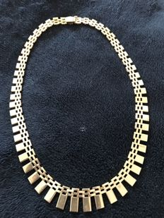 Fine, classic gold necklace, 14 karat – length 39.5 cm.