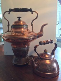 Two antique copper characteristic teapots - Large plus copper oil burner - Small from the brand Maggi