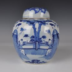 Porcelain jar with cover – China – 19th century