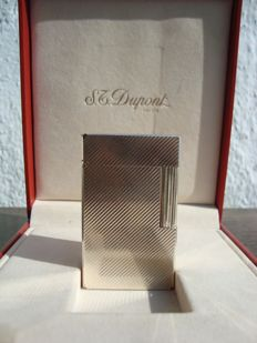 Feuerzeug S.T. Dupont - silver plated - Late 20th century