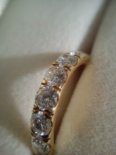 18 kt gold – 2.55 ct diamond Memory ring, unworn – ring size 53 (16.8 mm Ø).