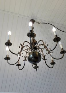 Large brass chandelier, 8 lights with curved arms
