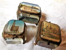 Three crystal boxes, Porte bijoux glass with bronze kit and Parisian monument scenes