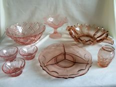 Vintage rose pressed glass 8 pieces.