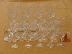 Lot of 26 wine and liqueur glasses