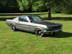 Ford - Mustang Fastback - 09/1964