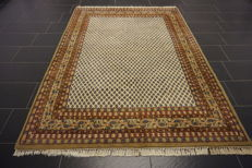 Magnificent hand-knotted oriental palace carpet, Sarough Mir, 175 x 240 cm, made in India, top quality highland wool