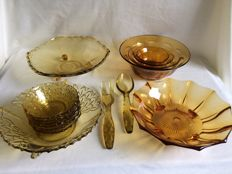 Vintage glassware 15 pieces Amber coloured pressed glass.