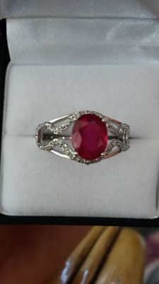 Stunning 2.11ct Genuine Madagascan Ruby with Brazillian White Topaz 925 Platinum plated designed by Debby Cavill (Authenticity certificate)