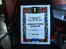 "Enamel sign - ""Gebrevetteerd uitbater"" [Patented operator] - 1990/2000"