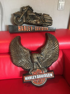 163/5000 Set of 2 x BIG  carved HARLEY DAVIDSON models, limited edition No. 13/100 and 23 / 100- convex, handmade and painted resin advertising sign - 90's