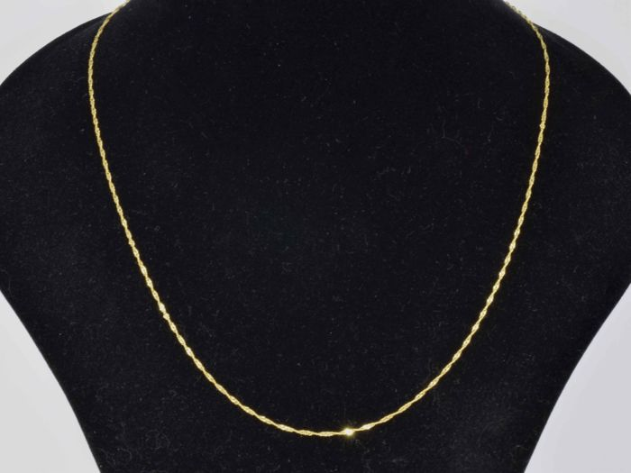 18k Gold. Chain Singapore. Length 50 cm