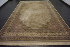 Beautiful hand-knotted oriental carpet, Sarough Mir, 250 x 360cm, made in India, end of the 20th century