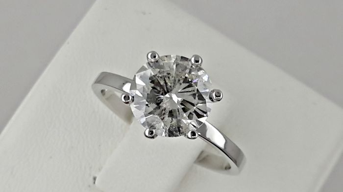 IGL 1.80 ct  round diamond ring made of 14 kt white gold - size 6