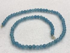 Aquamarine necklace with 18 kt/750 gold, length 46.30 cm. No reserve