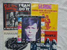 Superb lot of 17  vinyl singles Glam Rock with o.a. David Bowie, Mott the Hoople, The Sweet, Slade