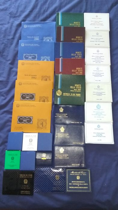 San Marino and Italy - Lot including: 29 items with various divisional and commemorative coins 1974/1990 (including silver)
