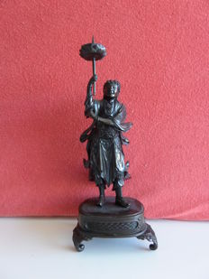 Bronze temple guard candlestick - Japan - around 1900 (Meiji period)