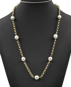 18 kt/750 yellow gold necklace with Australian South Sea cultured pearls measuring 11–12 mm in diameter - Chain length: 64 cm