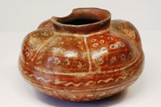 A Pre-Columbian vessel in earthenware – height: 10.8 cm – diameter: 17.2 cm