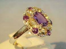Cocktail ring with 1.50 ct of amethysts and 0.72 ct of citrines