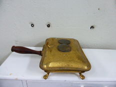 Shovel with cover in brass/copper, handle in wood with two medals on top with Napoleon Emperor of Italy