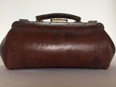 Leather doctor's bag - France - circa 1920