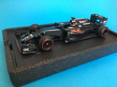 Amalgam - Scale 1/18 - McLaren MP4-31 - Black - Specially created for the haute horlogerie brand Richard Mille