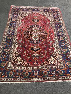 Oriental carpet, Persia - 100 % handwoven - capital investment