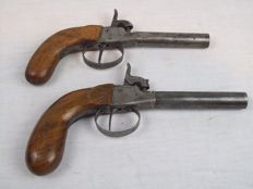 2 percussion pistols from the 19th century stamped.