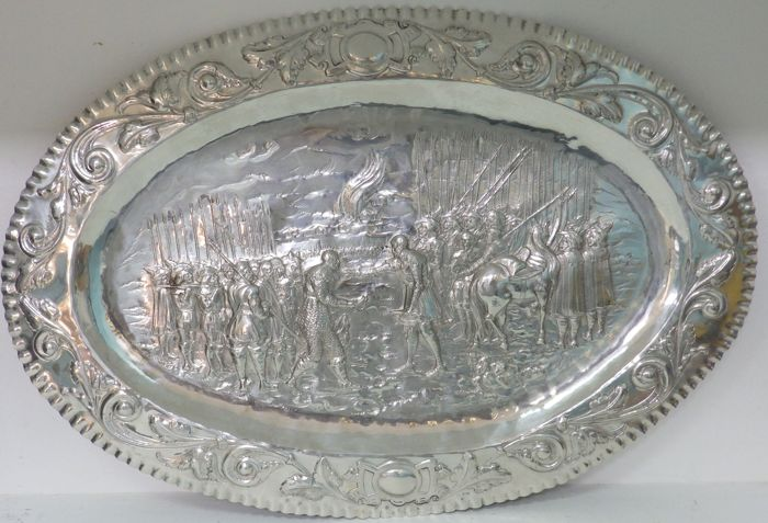 Large size decorative oval tray, in silver. Spain. 20th century