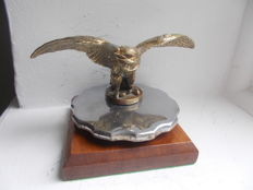 Superb Early vintage EAGLE brass car mascot on radiator cap 1940 s stunning detail original