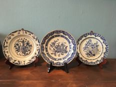 Lot with three plates – China – 18th century
