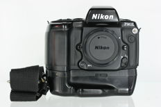 Nikon F90X with batterygrip Nikon MB-10