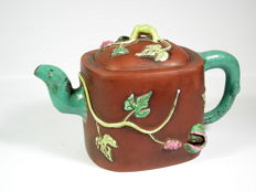 Teapot - ceramic - China - 1st quarter of the 20th century.
