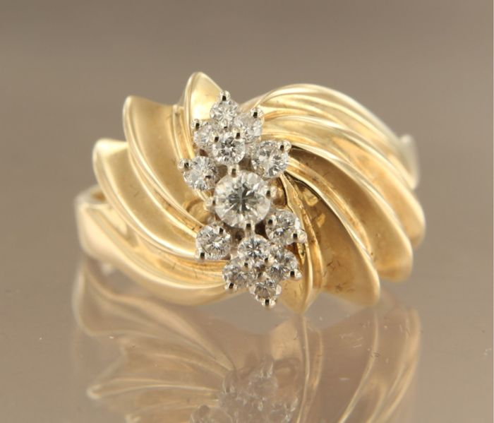14 kt bicolour gold ring set with 19 brilliant cut diamonds of 0.50 ct *** no reserve price ***