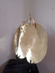 impressive vintage dish of the 70 's in copper in the shape of an apple