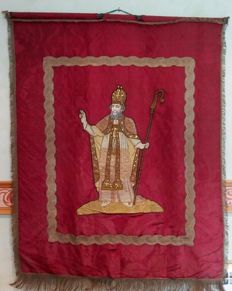 Large rug or processional banner with Holy, France, XIX century.